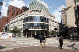 Macy's Closing 125 Stores as It Reorganizes for Digital Shopping – Online Marketing Scoops [Video]